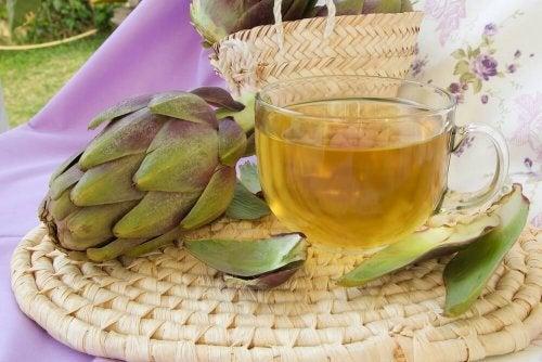 boissons amincissantes à l'artichaut et au citron