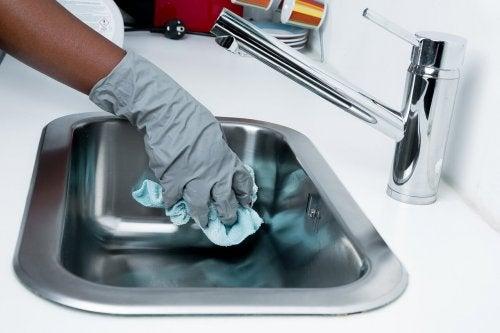 5 objets de la maison qui accumulent des millions de bactéries