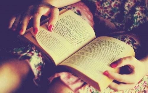 lire le soir fait travailler le cerveau