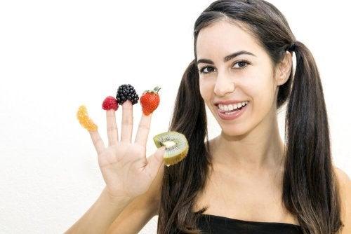 Prendre cinq repas par jour aide à contrôler les fringales