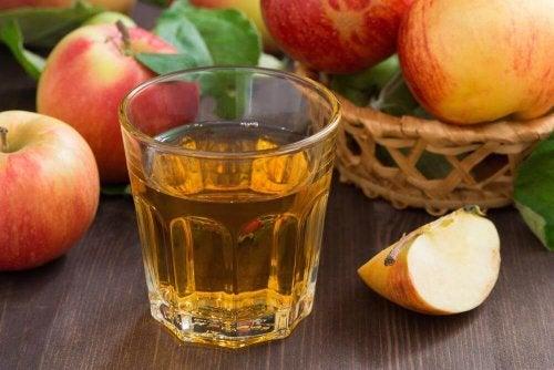 boissons amincissantes : eau et vinaigre de cidre