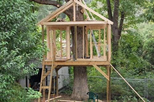 cabane dans l'arbre pour votre enfant