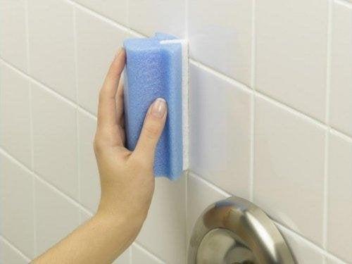 eau oxygénée et bicarbonate pour éliminer les résidus de savon