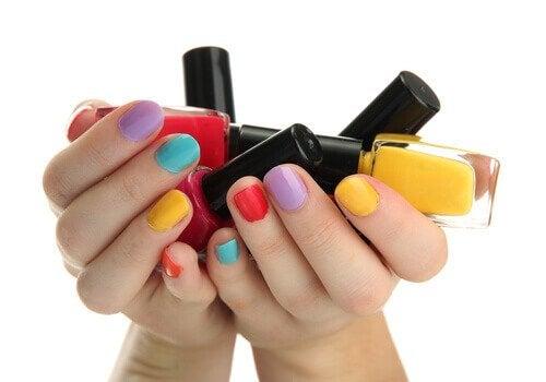 la couleur des vernis à ongles et la personnalité