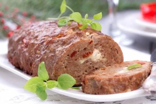 Préparez ce délicieux roulé à la viande et surprenez votre famille
