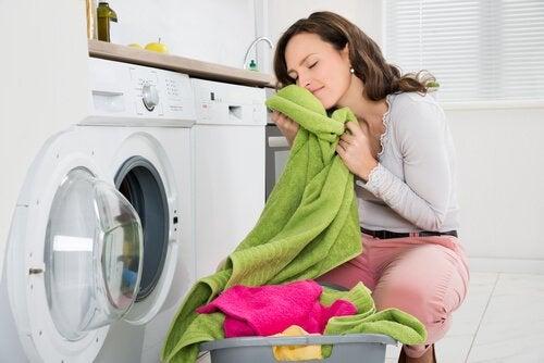 Comment éliminer les mauvaises odeurs des serviettes de bain ?