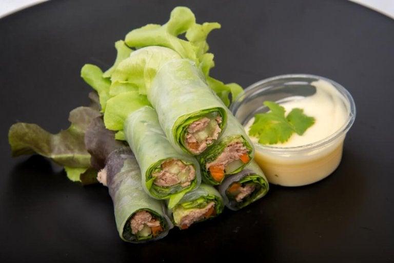 3 wraps à base de laitue, de fruits et de légumes