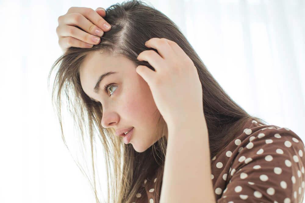 10 conseils pour renforcer le cuir chevelu de manière naturelle