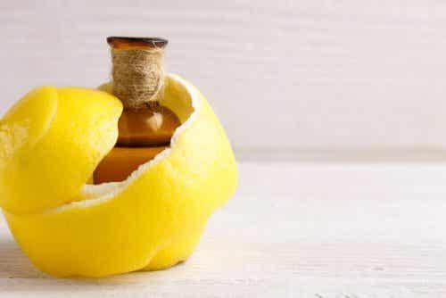 Remède au citron pour soulager les douleurs articulaires et les crampes