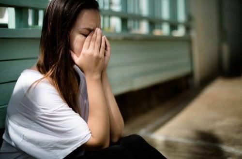 La peur de l'abandon : comment combattre la peur que notre partenaire s'éloigne ?