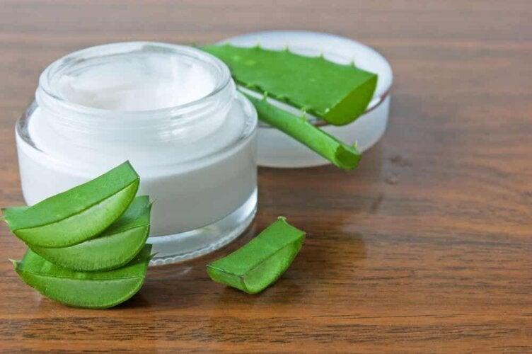 crème régénératrice à l'aloe vera