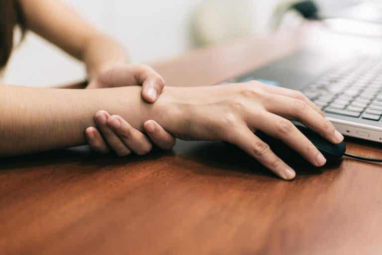 Le syndrome du canal carpien : 5 astuces contre la douleur