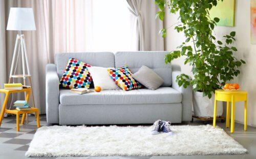 transformer l'intérieur de votre maison en mettant des tapis dans le salon