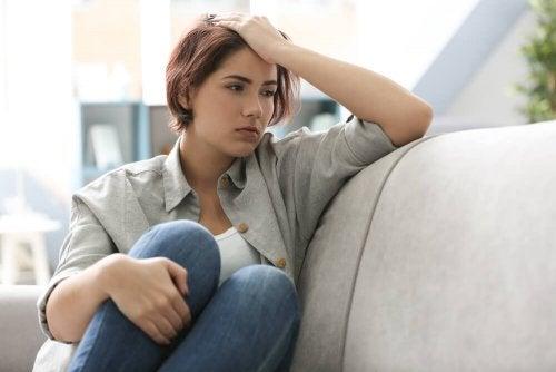 Les attitudes qui vous maintiennent attachés à des pensées négatives