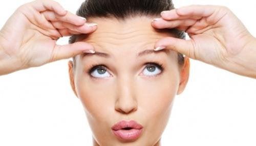 massage facial pour lutter contre la sécheresse oculaire