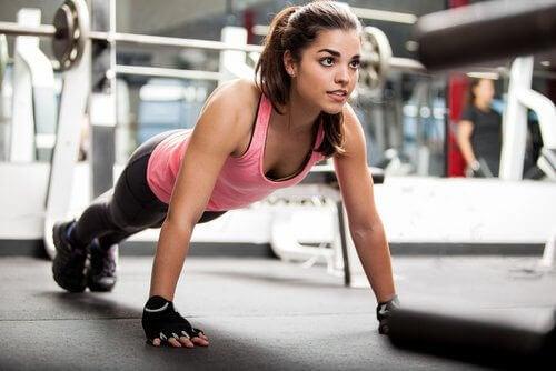 Qu'advient-il des muscles lorsque vous les exercez trop ?
