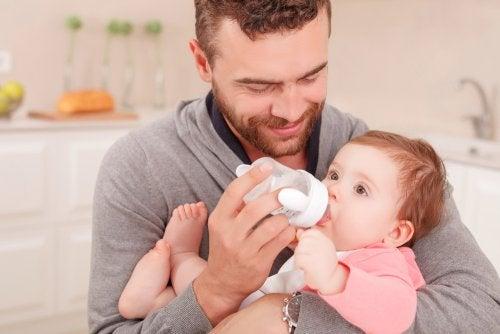position du bébé lors de l'utilisation du biberon