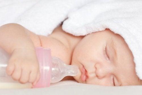 L'utilisation de la tétine et du biberon : sont-ils préjudiciables pour les bébés ?