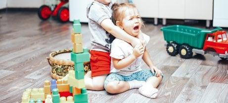 crise de jalousie entre un frère et une soeur