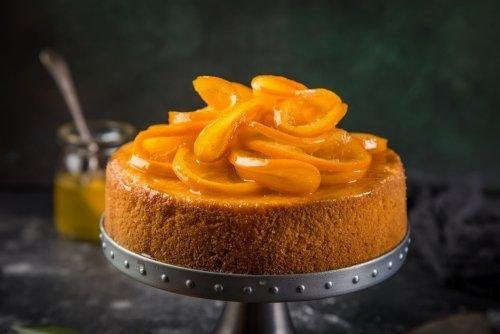 gâteau à l'orange avec des oranges confites