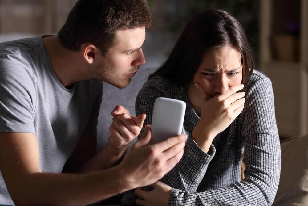 La méfiance au sein du couple :  que faire lorsque nous n'avons pas confiance en l'autre ?