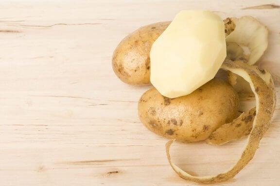 4 remèdes à base d'épluchures de pommes de terre à ne surtout pas manquer