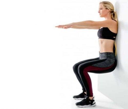 stabiliser votre poids en faisant la chaise