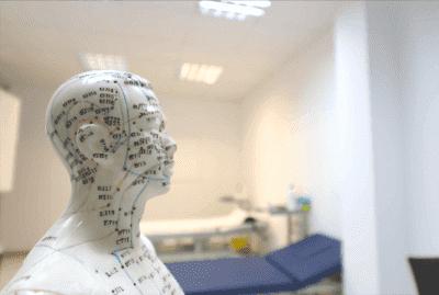l'auriculothérapie, traitement de la maladie de Parkinson