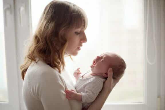 Comment calmer un bébé qui n'arrête pas de pleurer