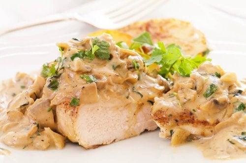 Délicieuse recette de blanc de poulet avec une sauce au fromage