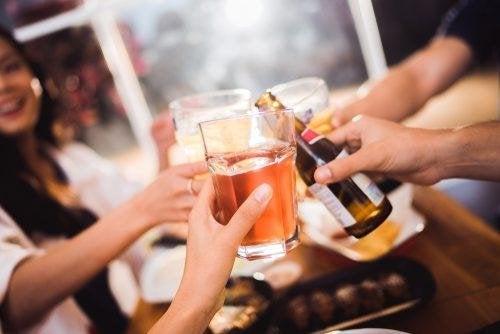 la consommation excessive d'alcool peut empirer la gastrite