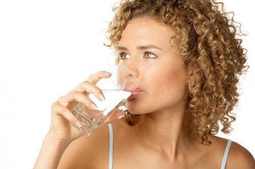 le fait de ne pas boire assez d'eau peut empirer une gastrite
