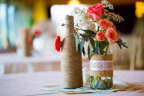 bouteilles en verre recyclées en vases
