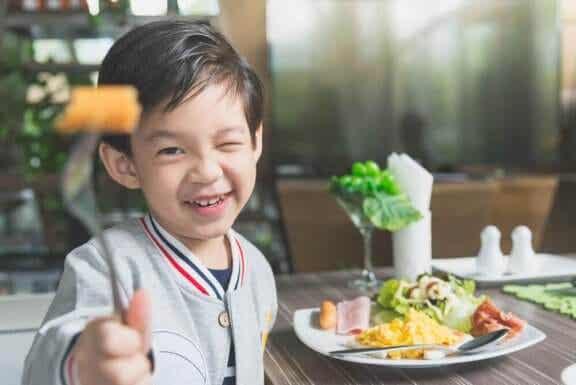 Mon enfant ne veut pas manger : que lui arrive-t-il ?