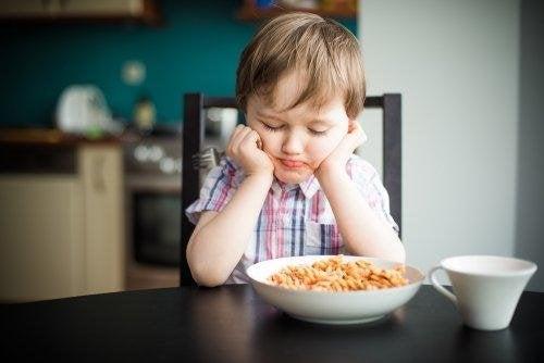 enfant qui ne veut pas manger