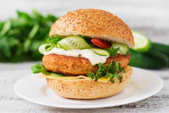 Hamburger au poulet riche en protéines