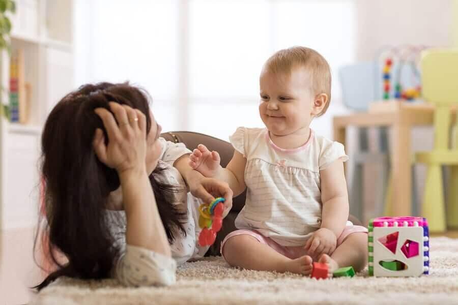 apprendre à votre bébé à s'asseoir