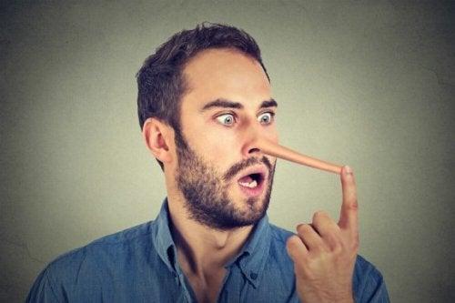 Ces signaux qui vous permettent de savoir si quelqu'un vous ment