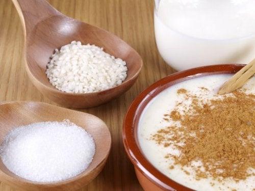 Préparer un délicieux riz au lait à la cannelle grâce à cette recette facile