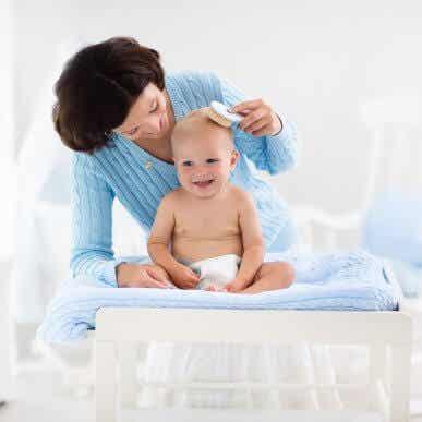 5 conseils pour prendre soin des cheveux de votre bébé