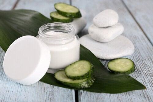 le concombre permet de lutter contre la dermatite de contact