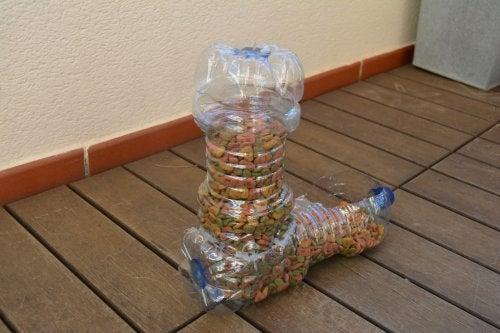 mangeoires pour animaux en emballages plastique recyclés