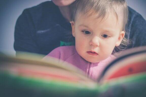 La Méthode Doman : lire dès la petite enfance
