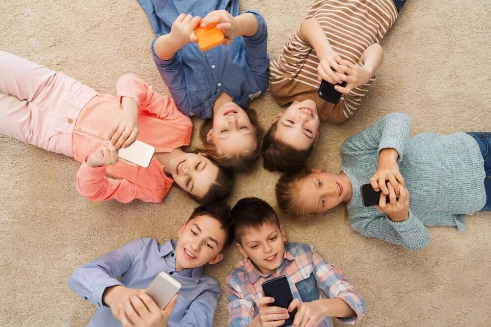 les smartphones pour enfants