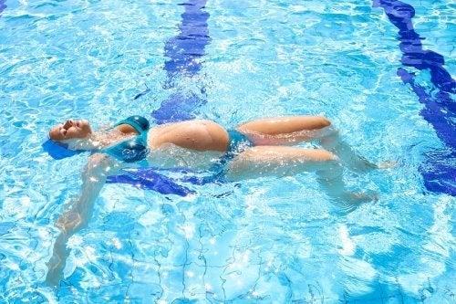 la natation comme exercice pendant la grossesse
