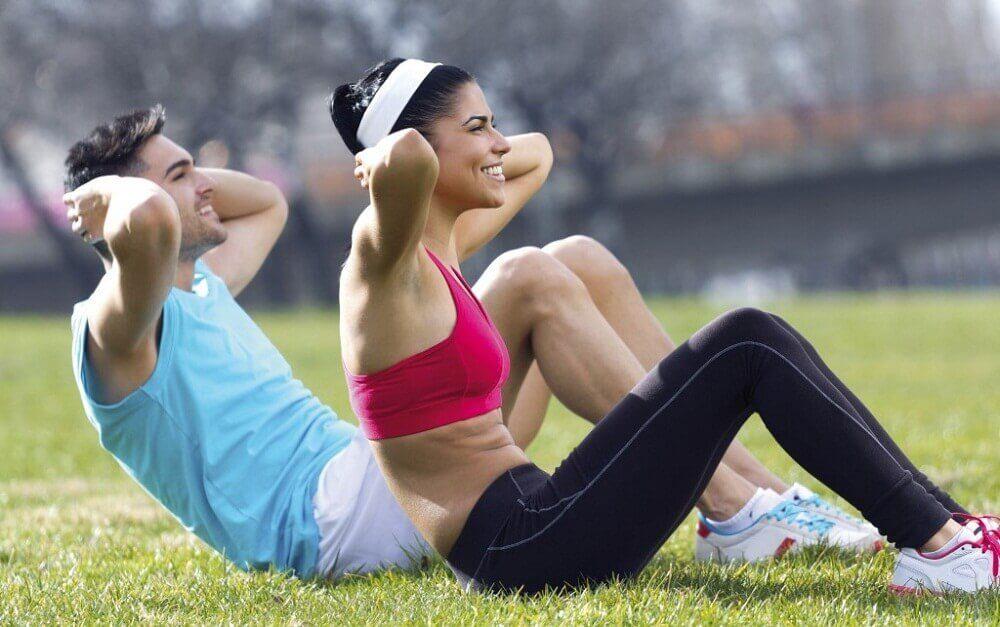 faire de l'exercice aidera à retendre la peau