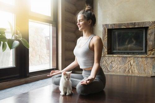 5 enseignements du yoga pour lutter contre l'anxiété