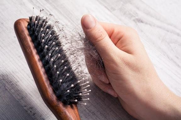 7 conseils contre la chute des cheveux