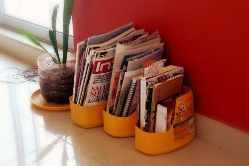 porte-revues en emballages plastique recyclés