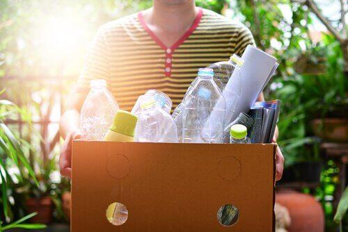 Comment réutiliser les emballages plastique qui s'accumulent à la maison ?